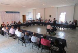 EMPRESARIOS y la sociedad sanjuanense acudieron a la exposición del programa de 10 por 100.