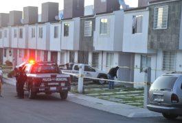 Vecinos aseguraron que las autoridades fueron recibidas a balazos en el condominio Elvira de la Mora, en Loarca