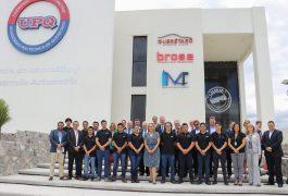 Representantes alemanes de la Cámara Mexicano-Alemana de Comercio e Industria conocieron los proyectos que se trabajan en el modelo de educación dual de la Universidad Politécnica de Querétaro
