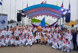 Fue izada la bandera mexicana en Lima