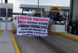 Manifestantes toman caseta