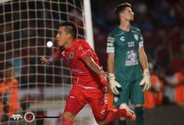 Veracruz empató a tres con Pachuca