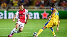 Ganó Ajax con Edson en la banca