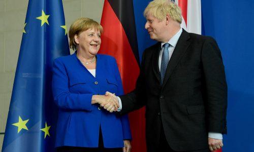 Merkel emplaza a Johnson a presentar alternativa a salvaguarda irlandesa