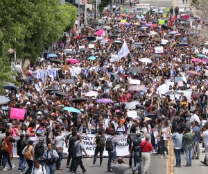 Universitarios salieron a las calles exigen tarifas justas de transporte